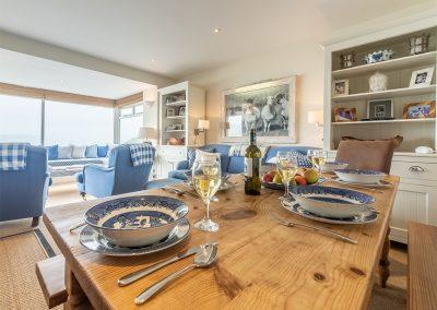 The dining area at 1 Cranfield, Polzeath