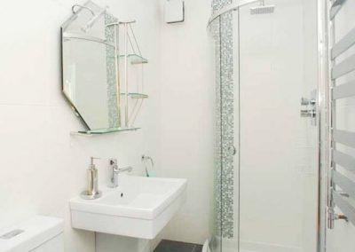 The bathroom @ 10 At the Beach, Torcross