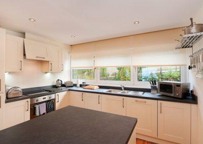 The kitchen @ 15 Heath Court, Brixham