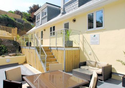The commubnal patio area @ At the Beach, Torcross