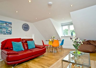 The open-plan living area at 17 At the Beach, Torcross