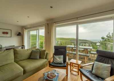 The living area at 21 Silvershells, Port Isaac