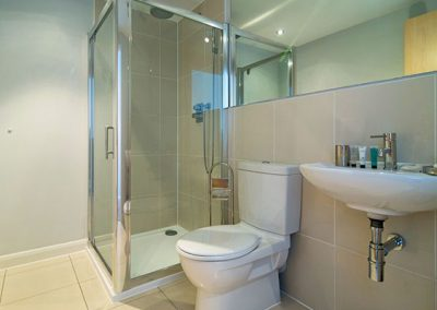 The en-suite to bedroom #1 @ 21 Zinc, Newquay