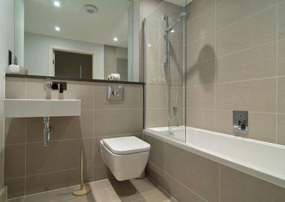 The bathroom @ 22 Ocean Gate, Newquay