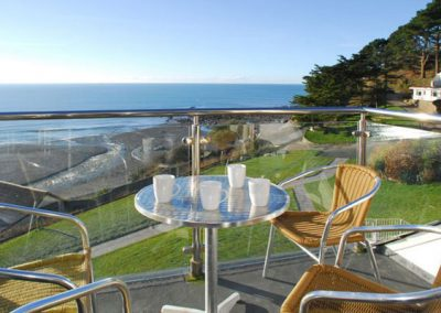 Relax on the balcony @ 23 Mount Brioni, Seaton