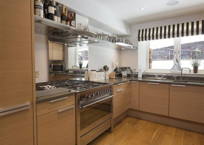 The kitchen at 28 Dart Marina, Dartmouth