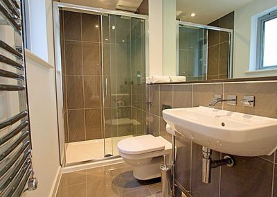 The en-suite to bedroom #1 @ 3 Fistral Beach, Newquay