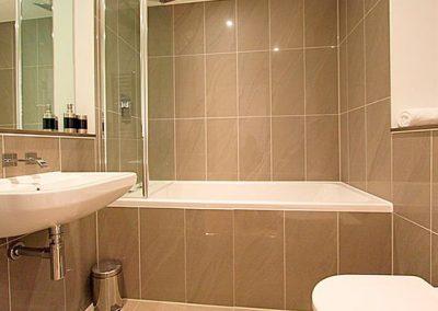 The bathroom @ 3 Fistral Beach, Newquay