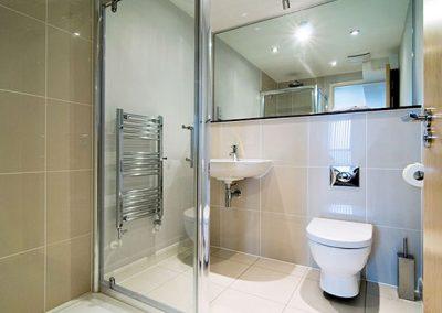 The en-suite to bedroom #1 @ 32 Zinc, Newquay