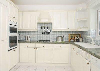 The kitchen @ 39 Moorings Reach, Brixham