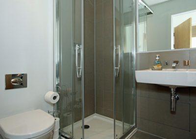En-suite to bedroom #1 @ 4 Pearl, Newquay