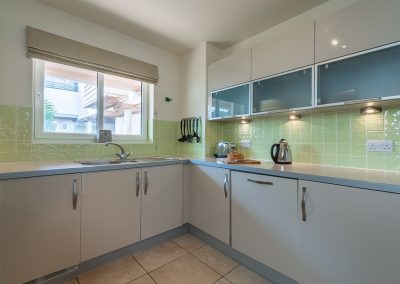 The kitchen at 4 Pentire Rocks, New Polzeath