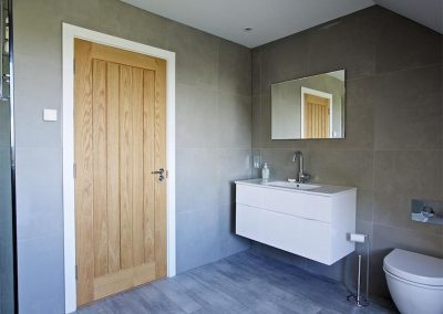 The bathroom at 4 The Drive, Hillfield Village, Bugford