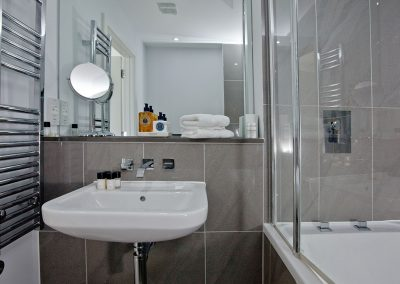 The bathroom at 5 Fistral Beach, Newquay