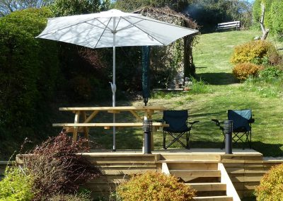 The decked patio at 5 Hillside, Axmouth