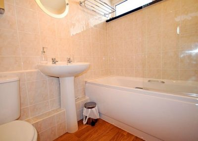 The bathroom @ 6 Linden Court, Brixham