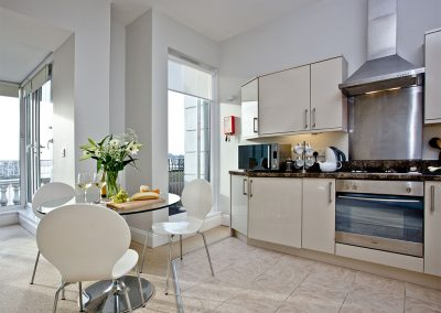 The kitchen at 7 Astor House, Torquay