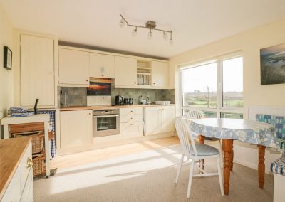 The open-plan kitchen & dining area at 7 Brightlands, Bude