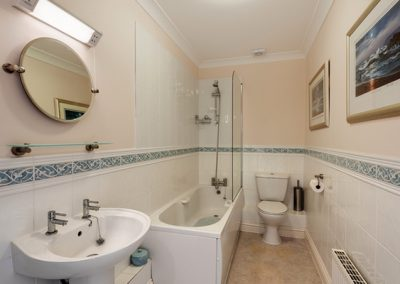 The bathroom @ 7 Vista Apartments, Paignton