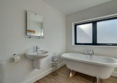 The bathroom at Seaglass, Watermouth