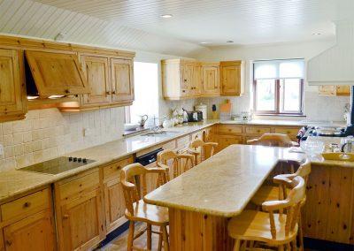 The kitchen at Anneth Lowen, Rescorla Farm Cottages, Rescorla