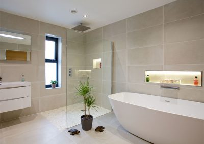 The bathroom at Avalen Rise, Newlyn