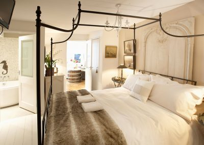 The bedroom at Barnacles, Fowey