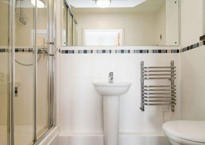 The bathroom @ Beach View, Ocean 1, Newquay