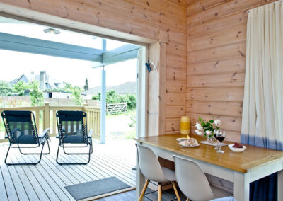 The open plan dining area at Broadpath, Great Field Lodges, Braunton