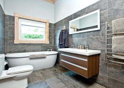 The bathroom at Broadpath, Great Field Lodges, Braunton