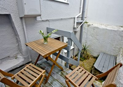 The patio at Castaway Cottage, Brixham