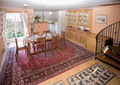 The dining area at Cherry Tree Cottage, Bovey Tracey