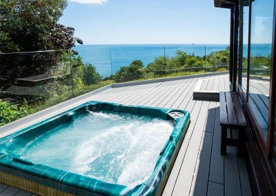 The hot tub at Cliff Lodge, Maidencombe
