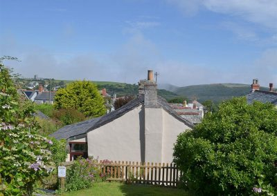 The elevated garden & far-reaching view at Cobblers Cottage, Boscastle