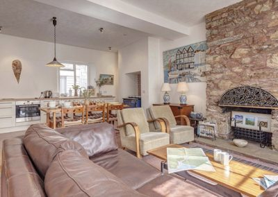 The open plan living & dining area and kitchen @ Courtenay Cottage, Salcombe
