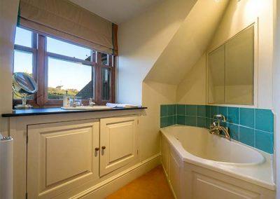The bathroom at Cragford, Sennen Cove