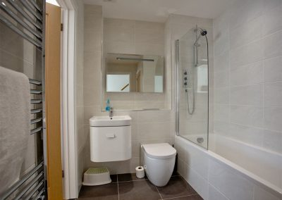 The bathroom at Crest@64, Newquay