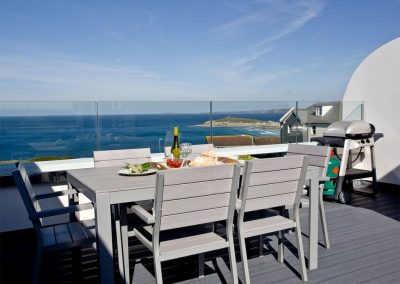 The roof terrace & barbecue area at Crest@64, Newquay