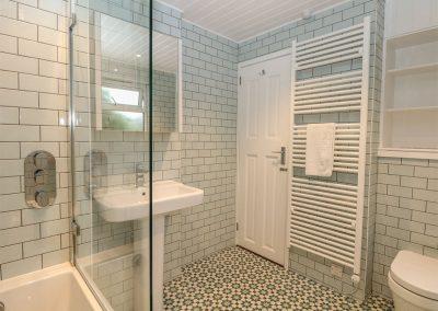 The bathroom at Cutty Sark, Mawgan Porth