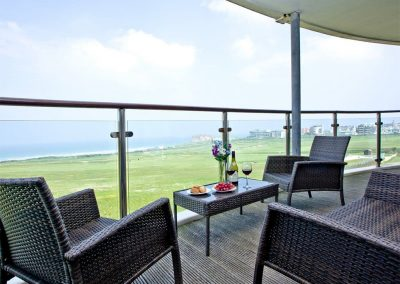 The balcony at Dame's Violet, 32 Bredon Court, Newquay