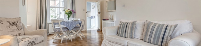 Driftwood Cottage, Lympstone - A charming, characterful cottage with stunning uninterrupted views over the river.