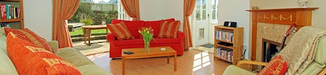 Driftwood House, Newquay - Spacious well equipped four bedroom house ideally situated for Fistral Beach.