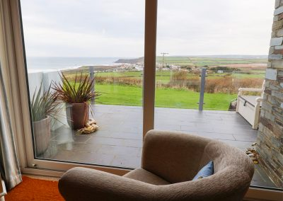 The living area at Driftwood, Widemouth Bay