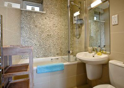 Bathroom @ Dunlin 1, The Cove, Brixham
