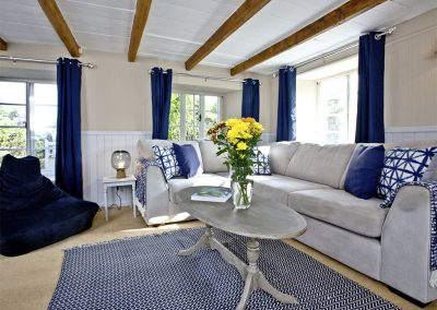The living area at Evies Cottage, Higher Brixham