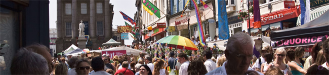 Each summer Marazion takes to the streets for the Marazion Carnival. After parading through the streets it ends at Folly Field for a fun-filled afternoon.