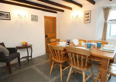 The dining area at Fisherton Cottage, Poughill