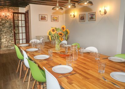 The dining area at Five Elements Farmhouse, Three Burrows