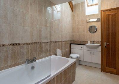The bathroom at Gemstone Cottage, Brixham
