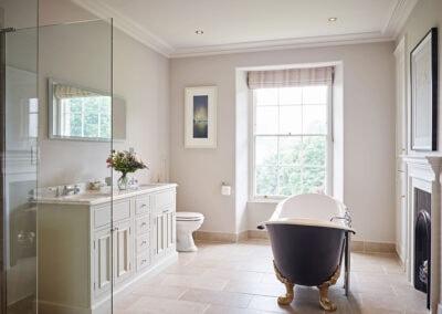 The bathroom at Gitcombe House, Gitcombe Estate, Cornworthy